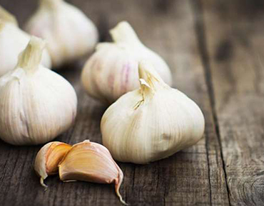 How to Get Rid of the Smell of Garlic?